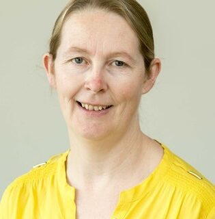Dr Shirley Markley